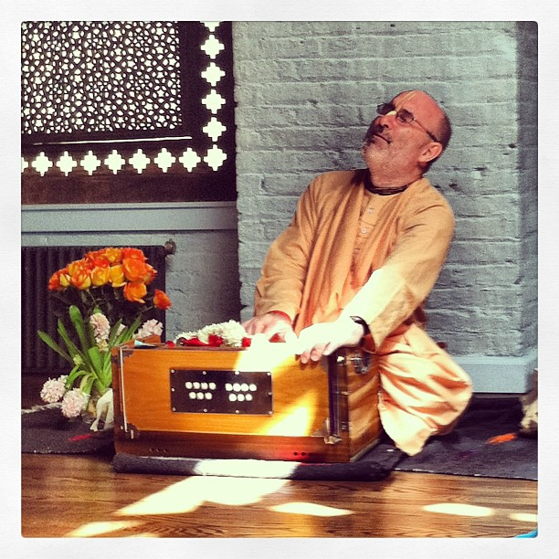 Dhanurdhara Swami at Yogamaya (Photo by Lisa Bermudez)